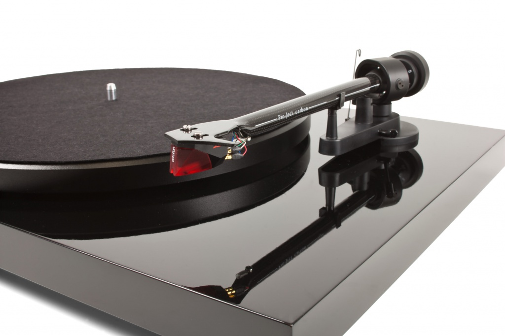 Pro-Ject Debut Carbon DC.jpg